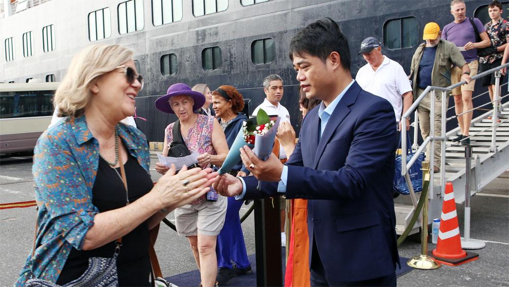 Xuân Canh tý 2020: Đà Nẵng đón 1.250 du khách quốc tế đầu tiên đến bằng đường biển